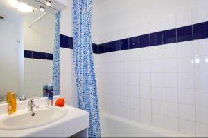 Salle de bain résidence Lyon Bleu