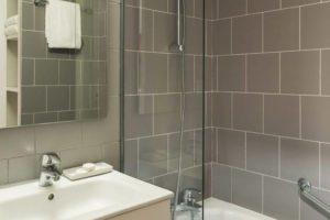 Bathroom résidence citadine lyon bleu