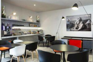 Salle breakfast résidence citadine lyon bleu