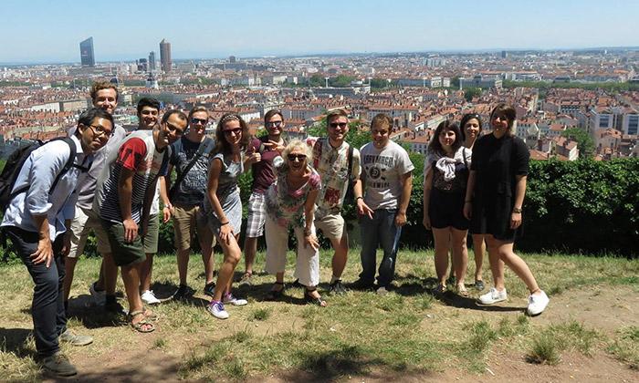 Photo groupe étudiant Lyon bleu